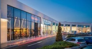 Omni Park Shopping Centre in Santry, D9 has  numerous major retailers and an  11-screen IMC cinema.
